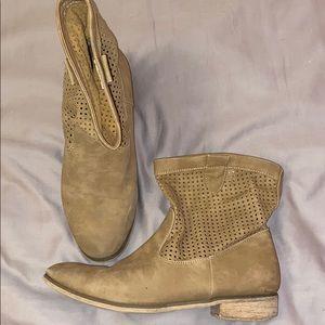 Bucco Boots Women's Size 10